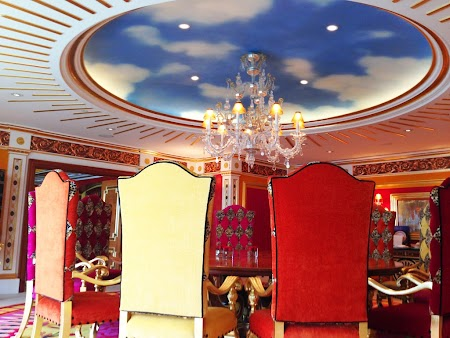 20 apart Regal diningroom.JPG