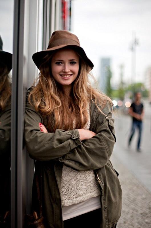 Parka Streetstyle Rain Coat Hat Women Berlin