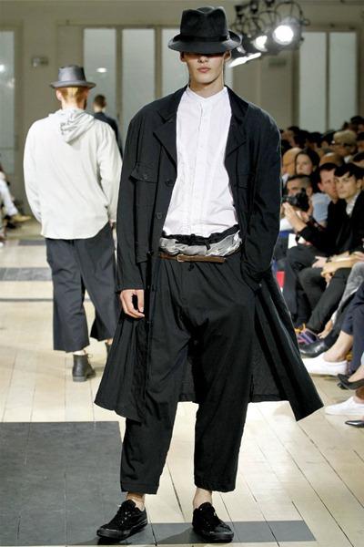 Paris Fashion Week Primavera 2012 - Yohji Yamamoto