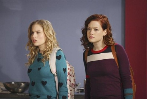 Suburgatory-Season-2-Episode-13-T-Ball-and-Sympathy-12-550x366