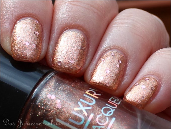 Catrice Luxury Laquers Million Brilliance C08 Glitter me if you can 5