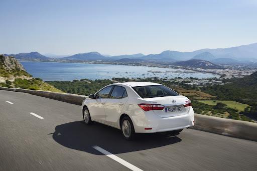 2014-Toyota-Corolla-7.jpg