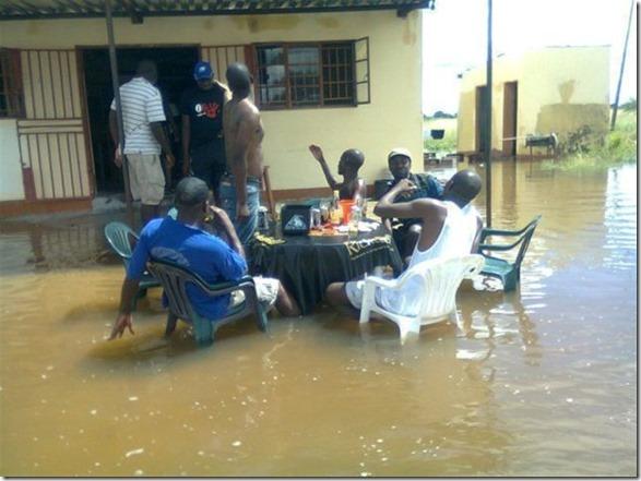 happy-flood-people-11