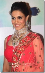 Genelia Dsouza Ramp Walks For HVK Jewels Photos