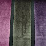 Tkanina obiciowa, trudnopalna. Pluszowa. Motyw geometryczny - pasy. Szara, fioletowa, czarna.