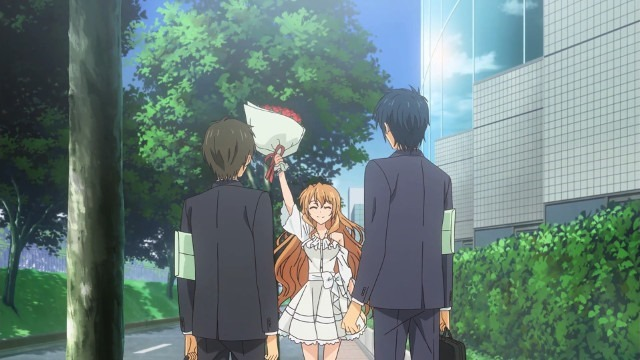 Koko's dramatic entrance, brandishing high a bouquet of roses before the two newly college pals Banri and Mitsuo