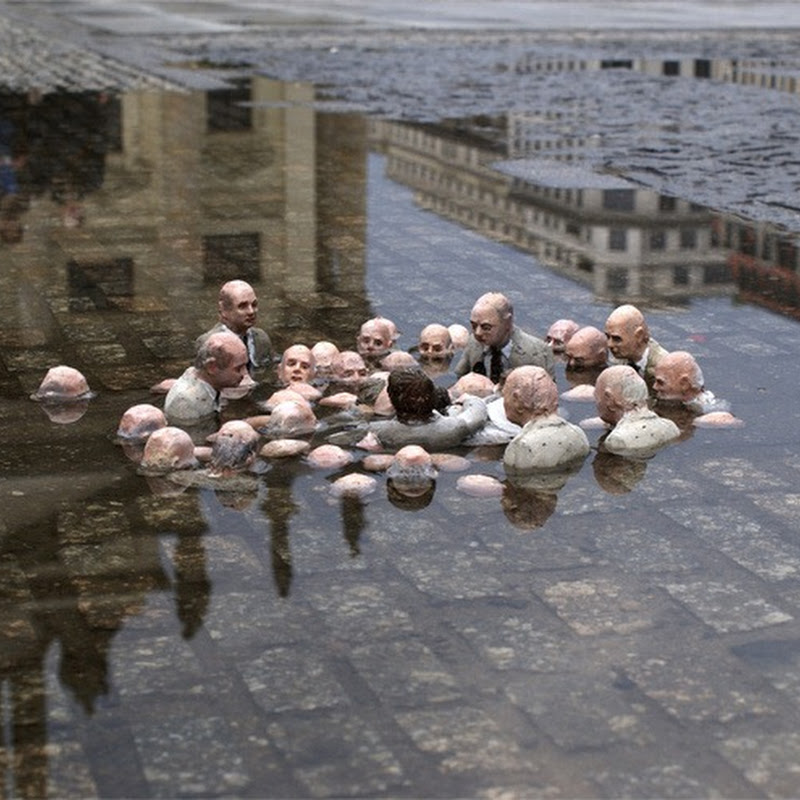 Miniature Cement Sculptures by Isaac Cordal
