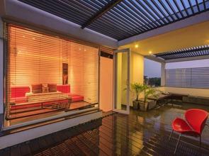 Casa-overhang
