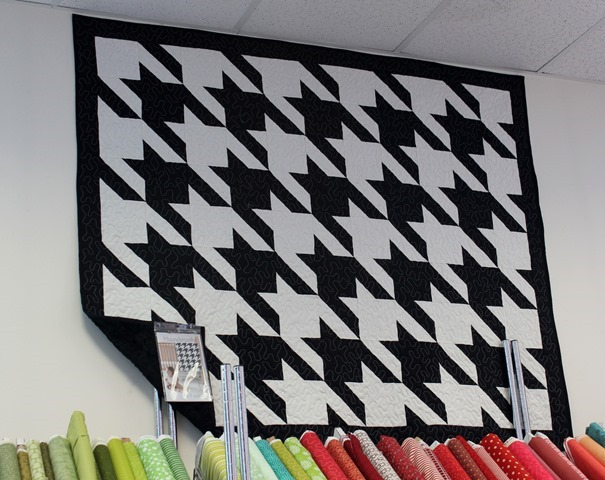 Houndstooth Quilt and Pattern