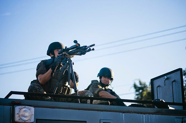 Police_sharpshooter_at_Ferguson_protests