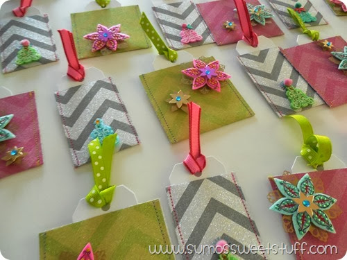 Pink, Glitter & Green Advent Calendar at SumosSweetStuff.com #fabulouslyfestive #christmas #advent