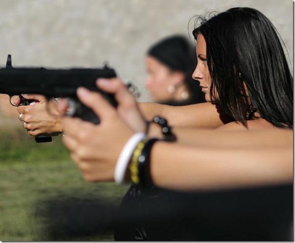 Mulheres com armas (16)