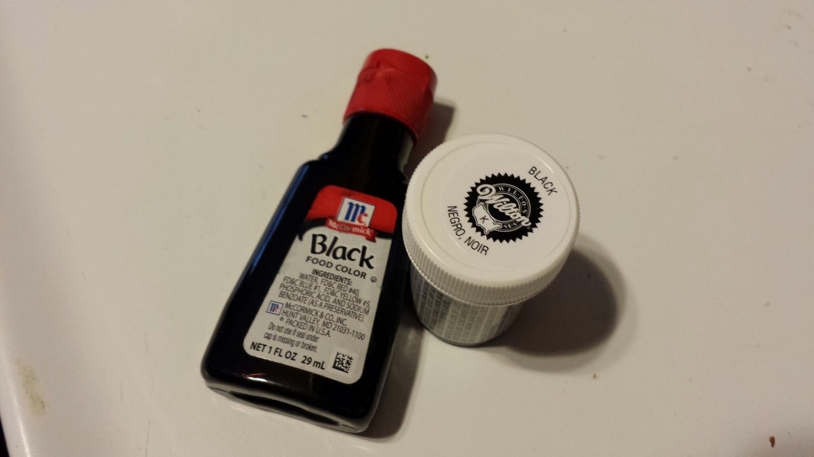 ChemKnits: Breaking Black Food Coloring: Wilton vs McCormick