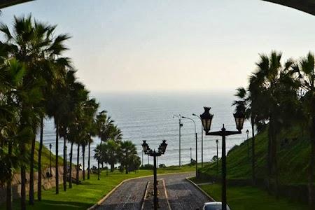 Obiective turistice Peru: In Lima, spre Oceanul Pacific