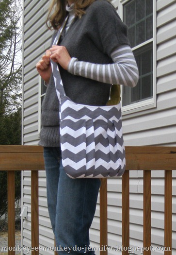 gray and yellow chevron pleated bag (5)
