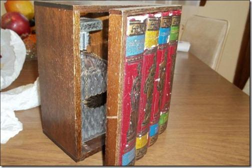 bookshelves_that_hold_hidden_secrets_640_02