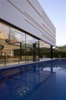 piscina-casa-arquitectura-minimalista