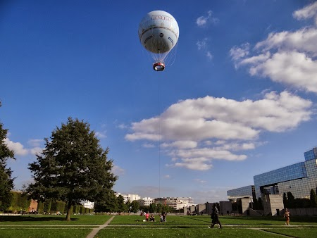 Obiective turistice Franta: Balon in Paris