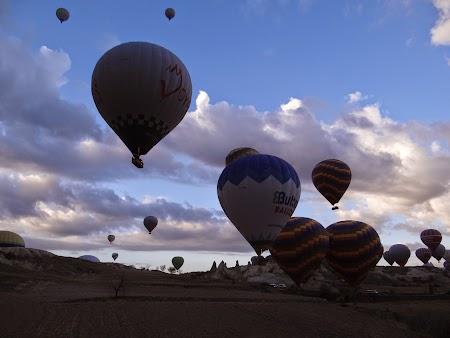 26. Numeroase baloane in Cappadocia.JPG
