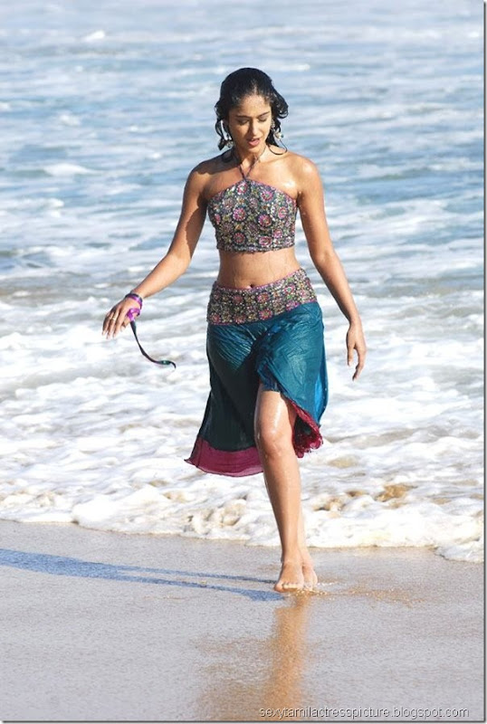 hot-ileana-navel-stills-and-thigh-picture