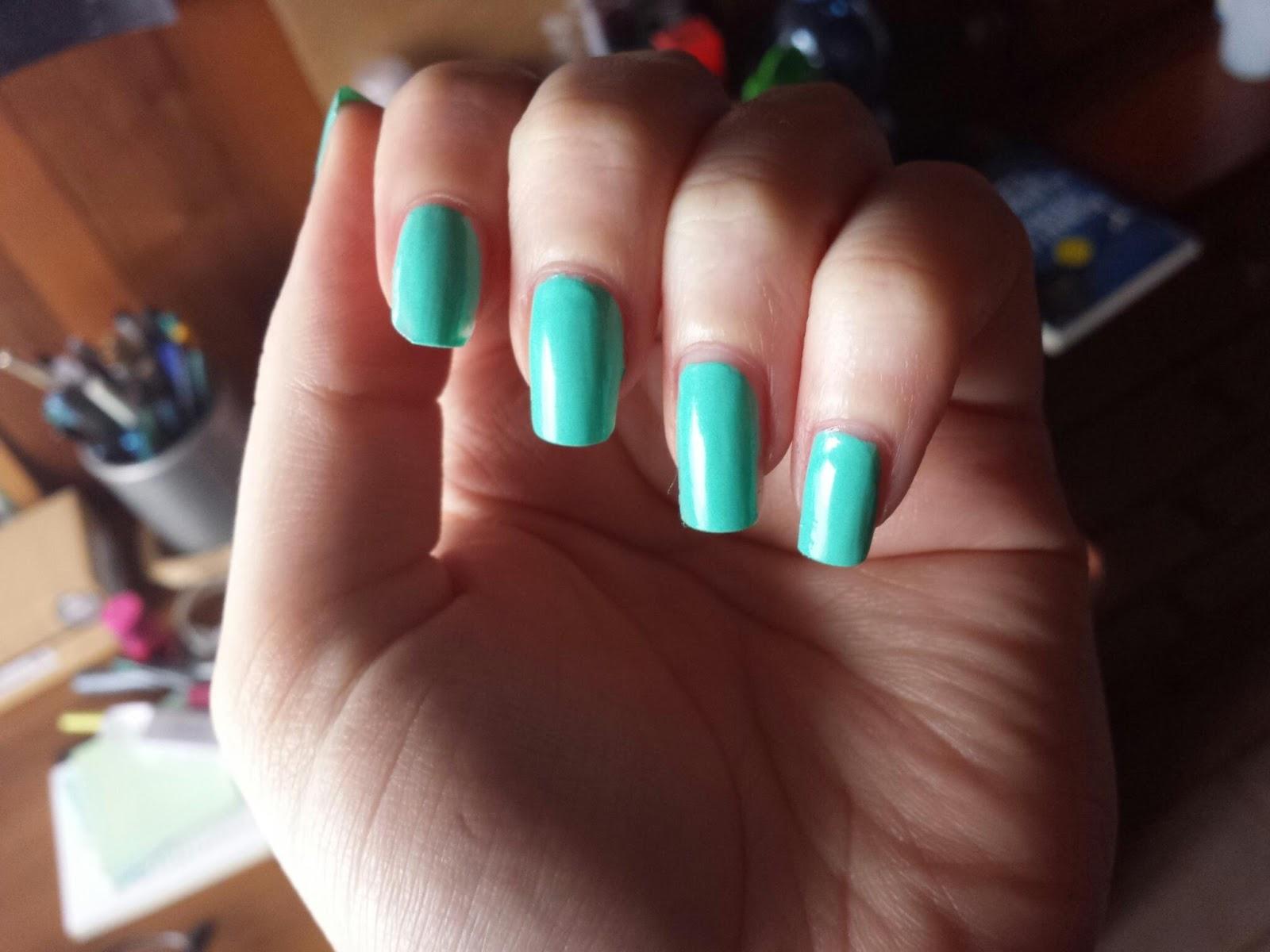 The world of claire kiko make up milano nail polish n 176 389