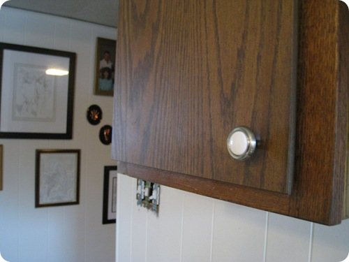 kitchen_cabinets_knobs_athomewithh
