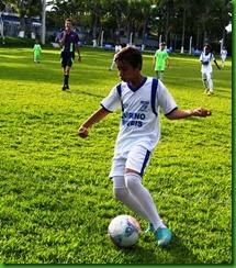 Tulio domina para marcar o seu segundo gol