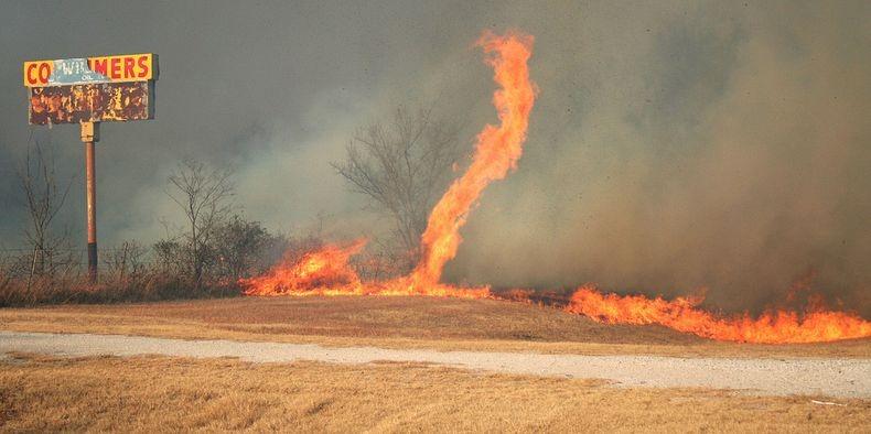 fire-tornadoes-9