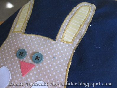 applique bunny bibs (2)