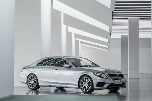 2014-Mercedes-Benz-S63-AMG-23.jpg