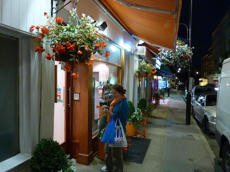 Cazare Marea Britanie: intrarea in Easyhotel Paddington London