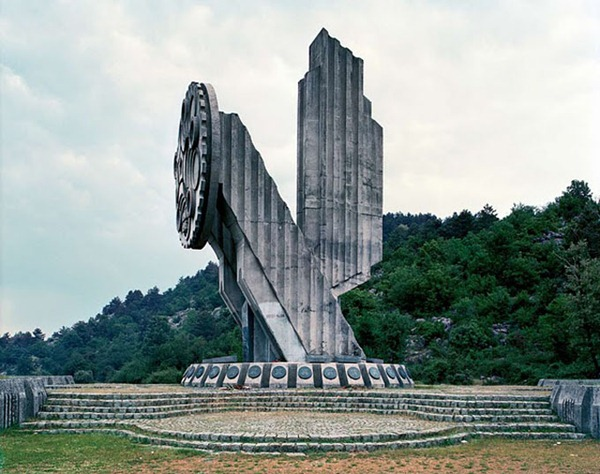 abandoned yugoslavian monuments by jan kempenaers 3