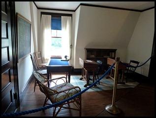 2e - Roosevelt Cottage - school