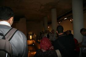 Interior de la Galeria del Tossal. Restos musealizados de una torre y lienzo de la muralla islámica del siglo XI. Valencia (España).