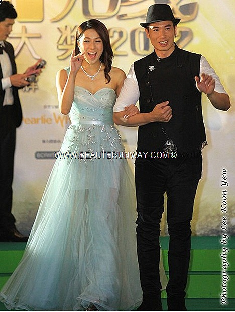 STARHUB TVB AWARDS LINDA CHUNG KA YAN MOSES CHAN 陳豪 2012 HONG KONG CELEBRITIES WINNERS KEVIN CHENG  MYOLIE WU SUNNY CHAN RUCO CHEN FA LA KATE TSUI TAVIA YEUNG GRASSHOPPER WAYNE LAI KENNETH MA KENNY WONG SELENA LI MARINA BAY SANDS