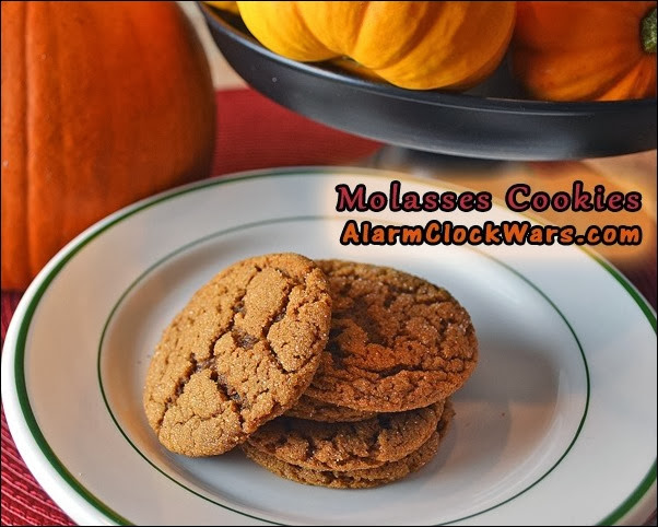 molasses cookies with pedestal