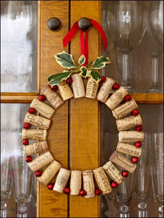diy-wine-cork-christmas-wreath