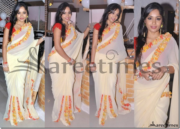 Madhavi_Latha_Cream_Georgette_Saree