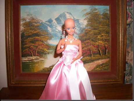 Barbie-calva-bald-and-really-beautiful-princess-2013-muñecas-Barbie-juguetes-Pucca-juegos-infantiles-niñas-cancer-hospital-chicas-maquillar-vestir-peinar-fashion-belleza-princesas-bebes-facebook-15