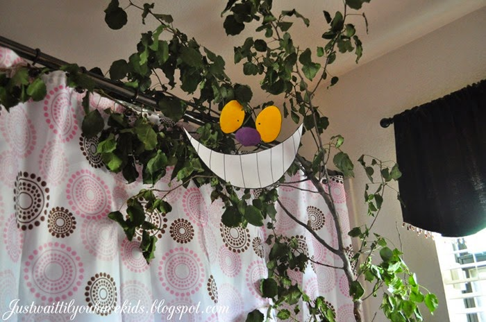 Cheshire-Smile-Tree