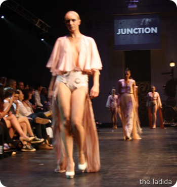 Grace Lui - Raffles Graduate Fashion Show 2012 - Junction (56)