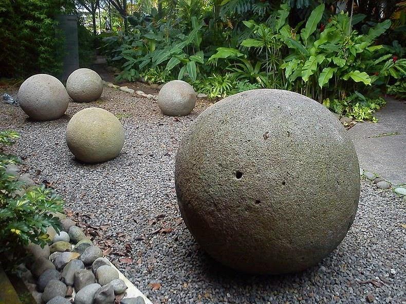 costa-rica-stone-spheres-6