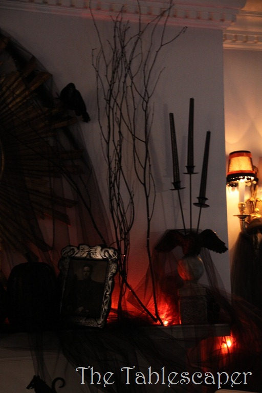 Halloween Mantel 054