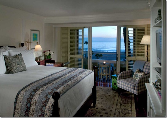 shutters_rooms_suites_guest_room_evening