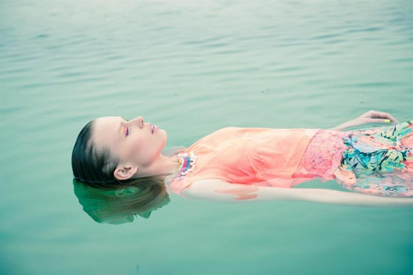9-twentyfoursevenלוק בוק float away צילום אלון שפרנסקי (6)