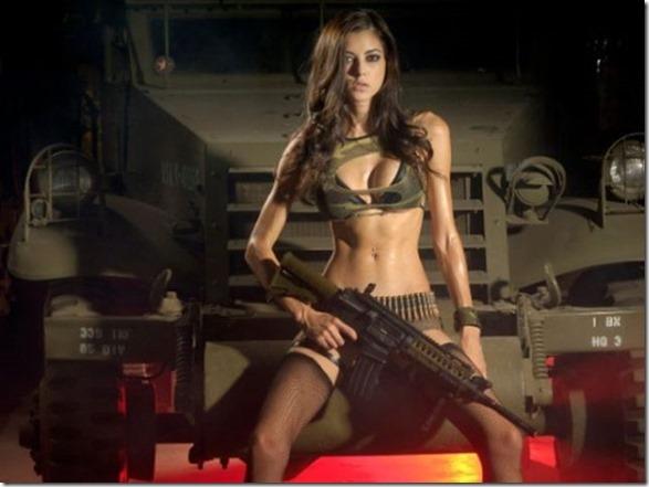 hot-women-guns-10