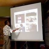 時折、身振りを交えて熱のこもった講演を行うLogie氏 / Mr. Seman unveiled his unique experience in the forest as a forest officer.