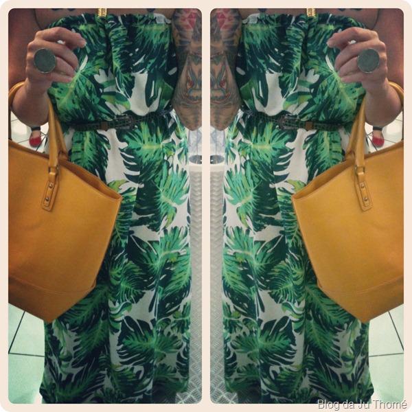 look vestido longo verde com estampa tropical e bolsa amarela (2)