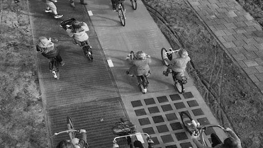 Güneş Enerjili Bisiklet Yolları
