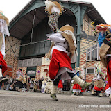 Hiriburu sur le parvis du marché luzien